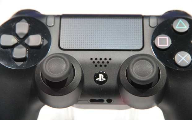 DualShock 4 exibido na GDC 2013 (Foto: Léo Torres / TechTudo)