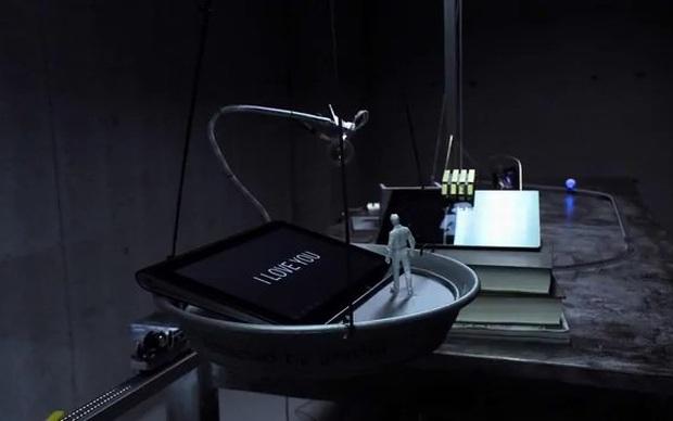 Vídeo com o comercil para TV do Sony S1 (Foto: Reprodução)