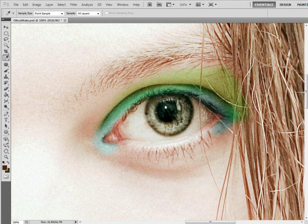 Capturar a cor dos cílios (Foto: Reprodução/Juliane Costa)