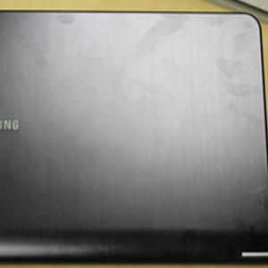 Samsung serie 9 marcas (Foto: Allan Melo)