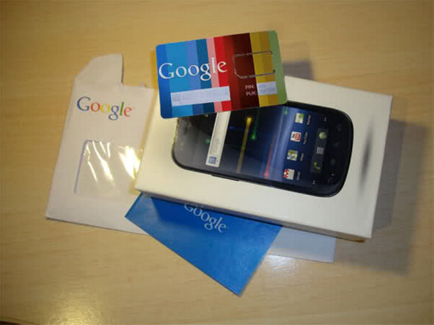 SIM junto do Nexus S (Foto: Xatakandroid.com)