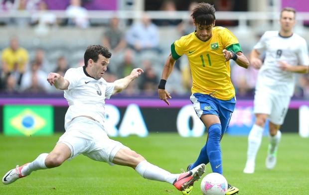 Atacante Neymar na partida contra a Nova Zelândia pelos Jogos Olímpicos de Londres (Foto: Reprodução/AFP)
