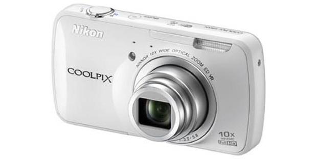 Versão branca da Nikon Coolpix S800c (Foto: Reprodução)