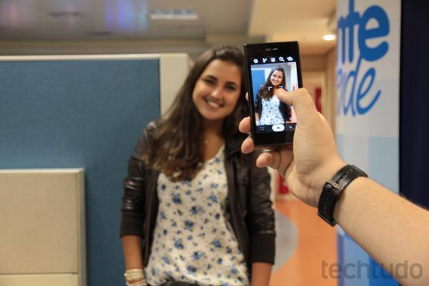 A câmera de 8 MP do gadget é semelhante às dos aparelhos tops do mercado (Foto: TechTudo)