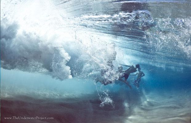 Reações durante a passagem de uma onda (Foto: Reprodução/ Mark Tipple)