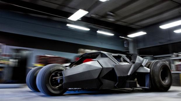 Batmóvel sai do cinema para ganhar as estradas da Gumball 3000 (Foto: Reprodução)