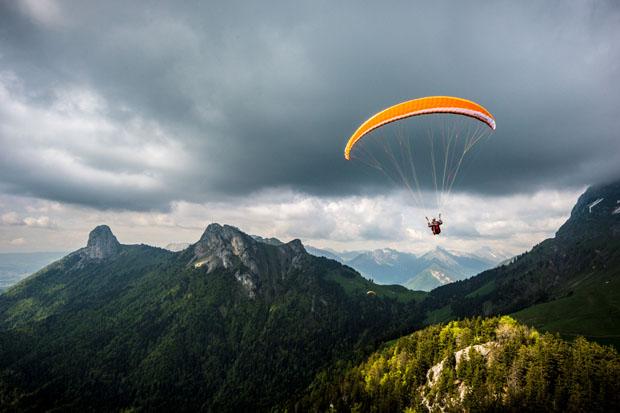 Fotógrafo Alexandre Buisse é especialista em montanhas, mas também faz fotos aéreas (foto: Divulgação)