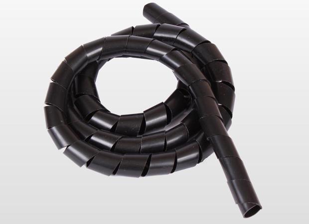 Organizador da Bemfixa agrupa cabos em um único tubo e dá aspecto mais organizado (Foto: Divulgação/Bemfixa)