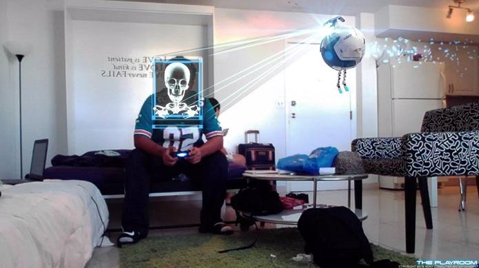 Robô identifica rosto do usuário (Foto: Thiago Barros/TechTudo)