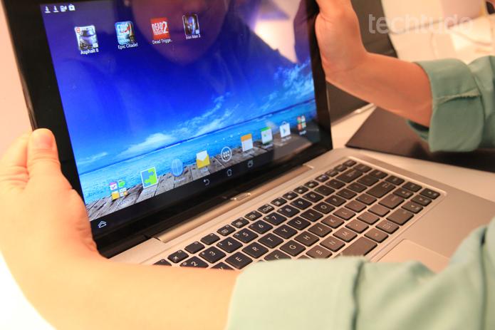 Basta apenas um clique para transformar um notebook em um tablet
