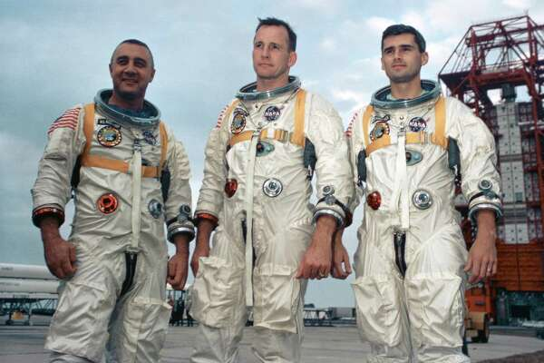 Apollo 1: Death of 3 astronauts in fire on launch pad ...