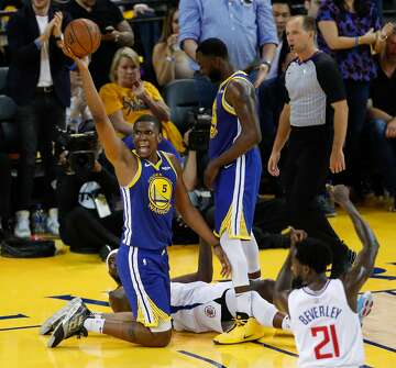 kevon looney reacts to steve kerr calling him - 360×335