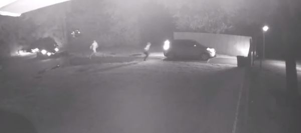 Friendswood teens robbed at gunpoint in driveway police