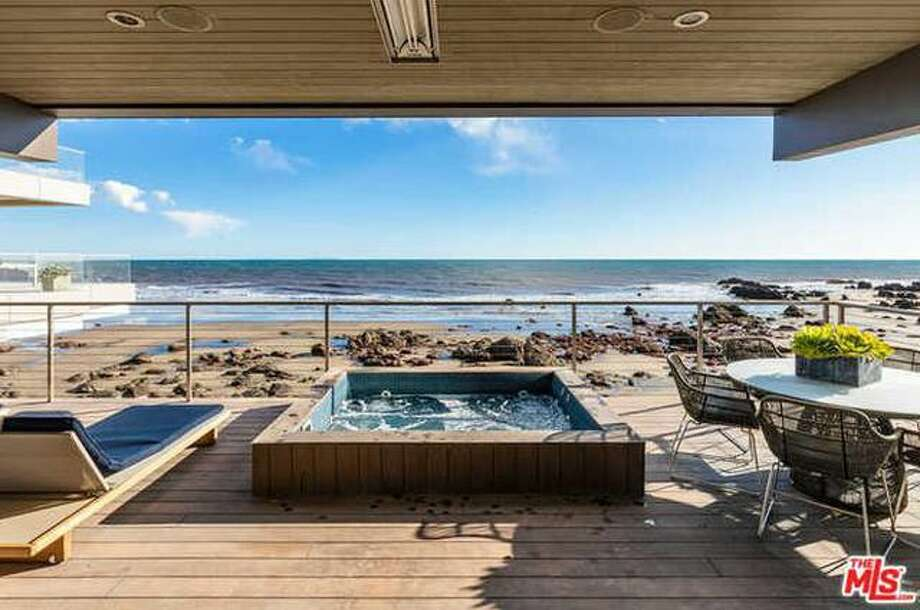 Kevin Durant Sells His Malibu Beach House For 12 15m The Hour