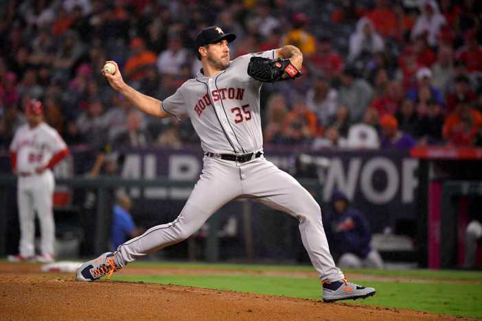 Astros' Justin Verlander joins 3,000-strikeout club - Houston ...