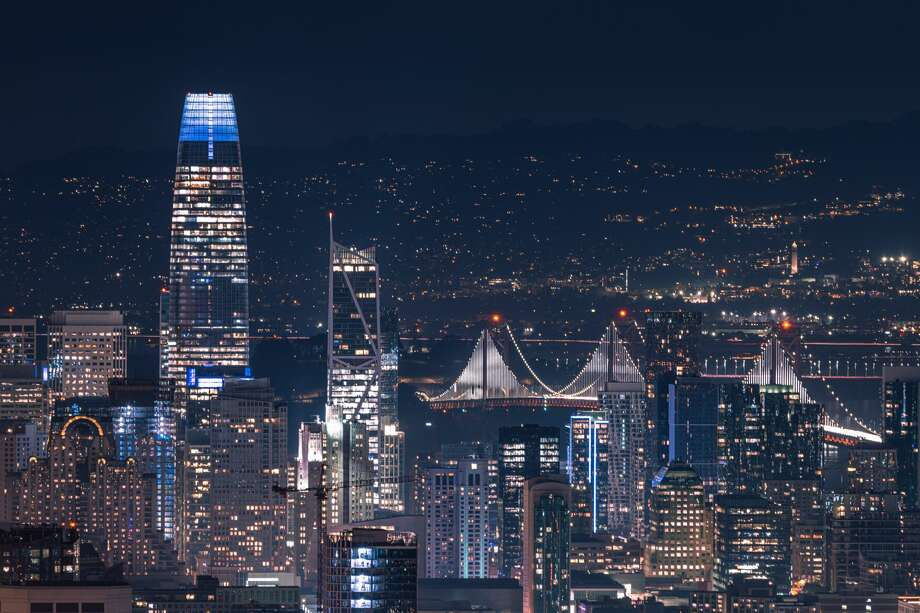 As remote work becomes an option, and city bars, shops and restaurants shutter their doors through the pandemic, some tech workers say they have no reason to stay in San Francisco. Photo:  Ian.CuiYi / Getty Images / Cui Yi
