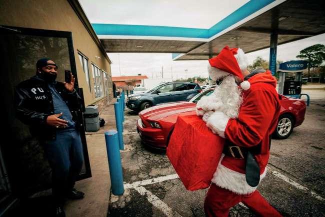 Paul Wall dressed as Santa Claus - he called himself