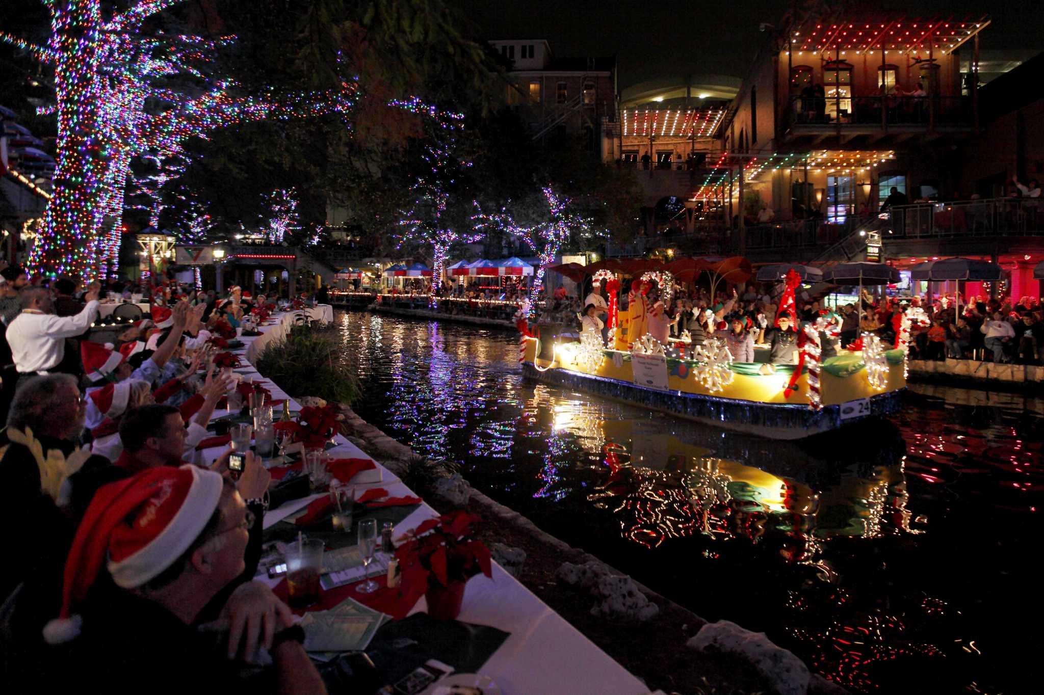 Ford Holiday River Parade A San Antonio Tradition San