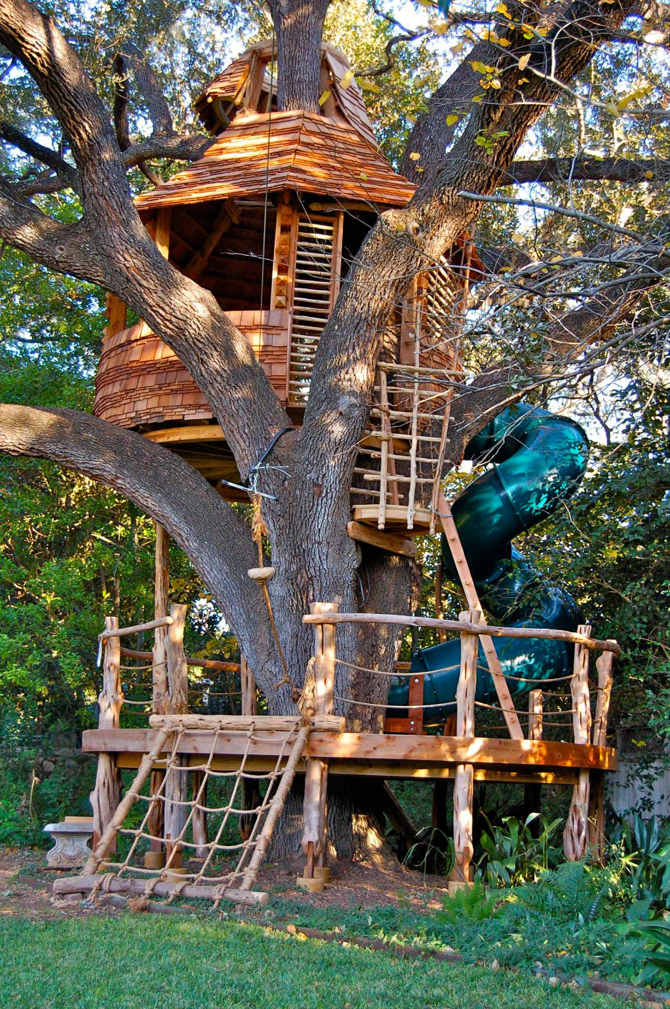 S A Treehouse Creator Shares His Work With The Master Expressnews Com