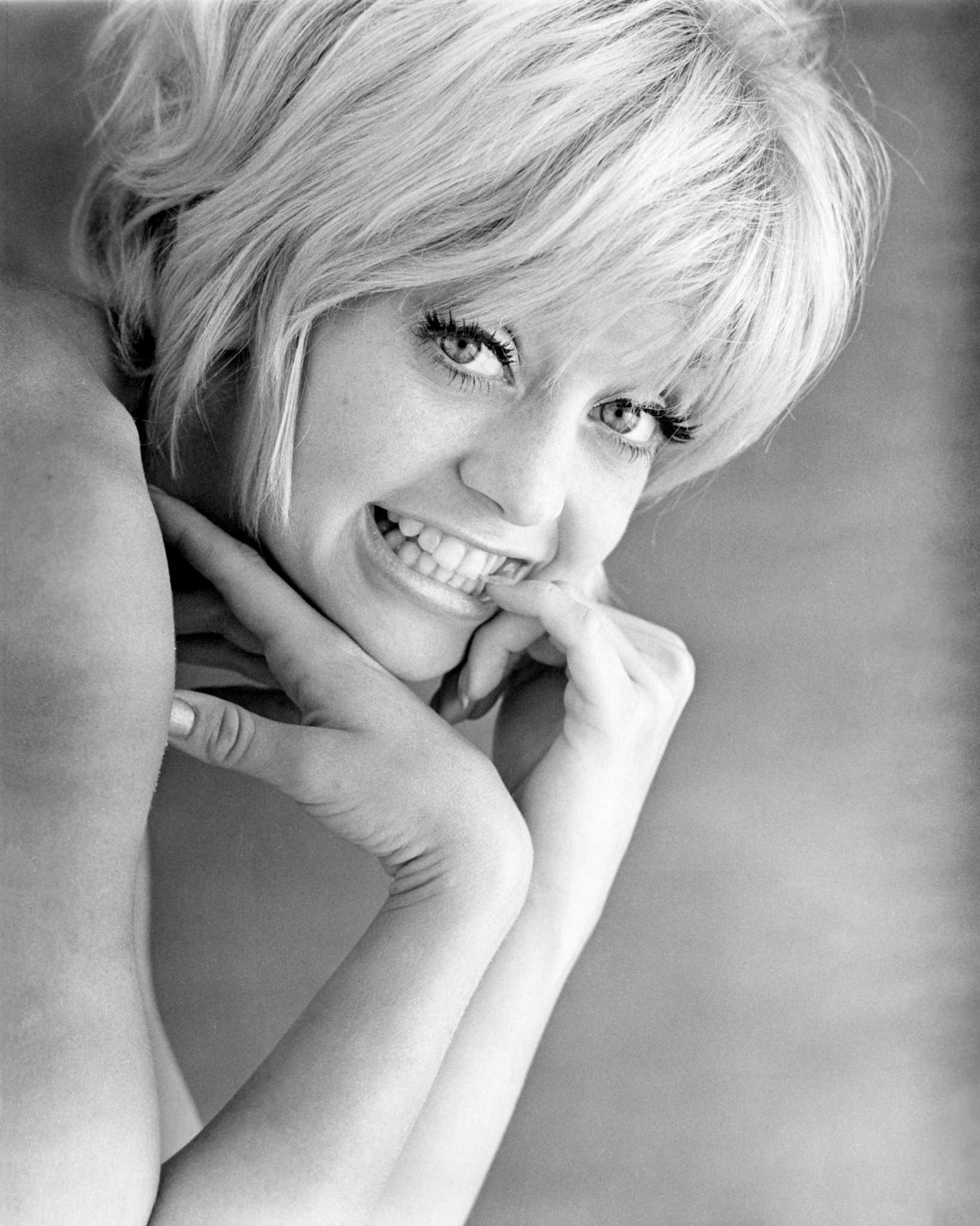 Goldie Hawn Celebrates Her 72nd Birthday Smile Still
