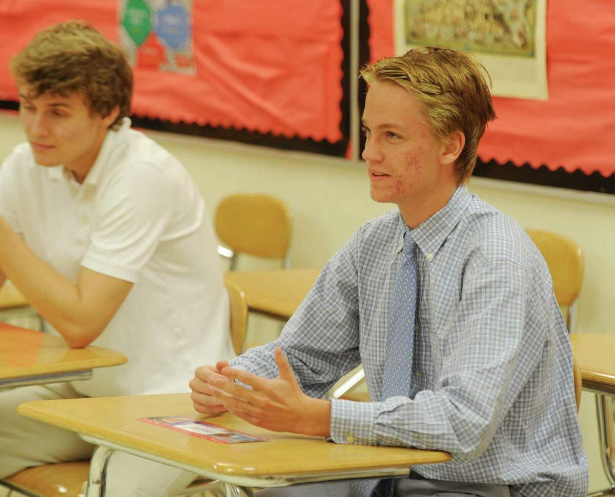 Shaban Makes Surprise Visit To Ghs Young Republican Meeting