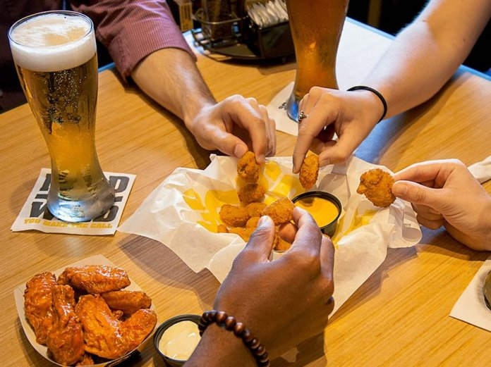 Millennials are killing chains like Buffalo Wild Wings and Applebee's