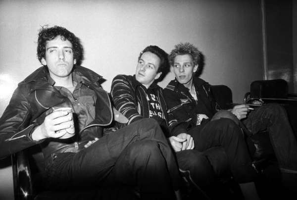Candid backstage photos of Rock-n-Roll icons, historic ...