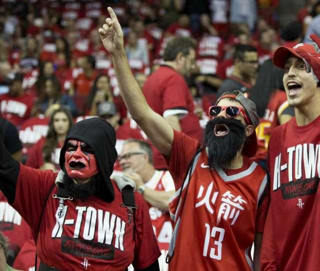 Photos A Look At Rockets Fans During This Years Playoffs Houston Rockets Fans Cheer Before