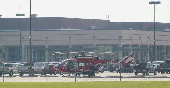 LifeFlight responds to an active shooter in front of Santa Fe High School Friday, May 18, 2018, in Santa Fe. Photo: Steve Gonzales, Houston Chronicle / © 2018 Houston Chronicle