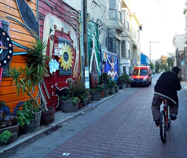 Is Th Streets Latino Cultural District Enough To Stop Gentrification Sfchronicle Com