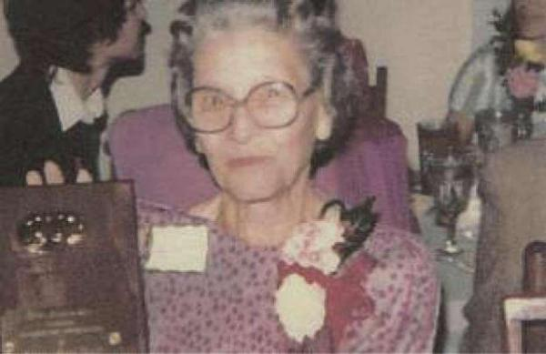 Mary Alice Hunt: Memories of Christmas in very early ...