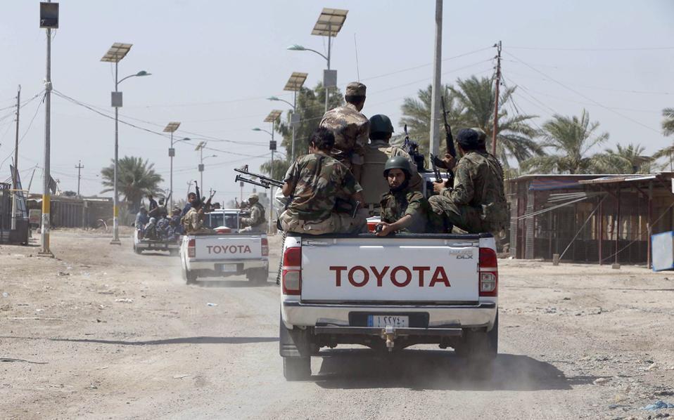 Η υπαρκτή απειλή να αλωθεί το Αρμπίλ, η πρωτεύουσα της αυτόνομης περιοχής των Κούρδων, από το «Ισλαμικό Κράτος» δρομολόγησε την αλλαγή πλεύσης των Ηνωμένων Πολιτειών.