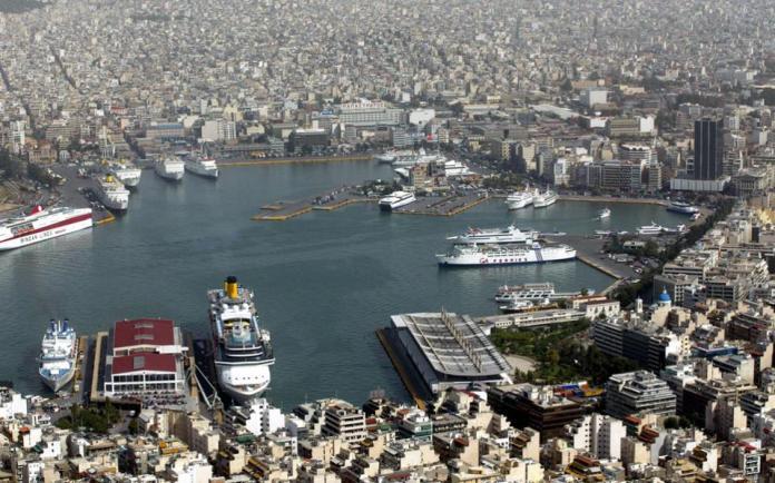 Στην Ελλάδα υπάρχουν αλληλοκαλυπτόμενες αρμοδιότητες μεταξύ των μεγάλων λιμανιών, της Γενικής Γραμματείας Λιμένων του υπουργείου Ναυτιλίας και, πλέον, και της Ρυθμιστικής Αρχής Λιμένων.