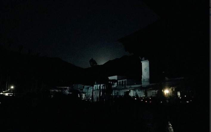 Σε κατάσταση έκτακτης ανάγκης η Υδρα - Αποχωρούν από το νησί οι τουρίστες