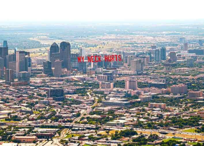 Τα τελευταία λόγια του Τζορτζ Φλόιντ «πετούν» πάνω από πέντε πόλεις των ΗΠΑ