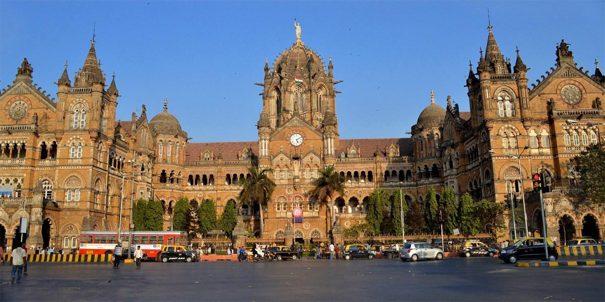 Risultati immagini per Estación Chhatrapati Shivaji