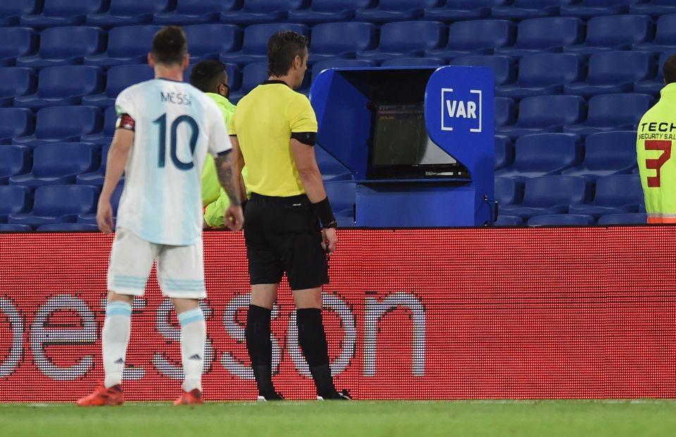 El VAR neutraliza a la Argentina de Messi