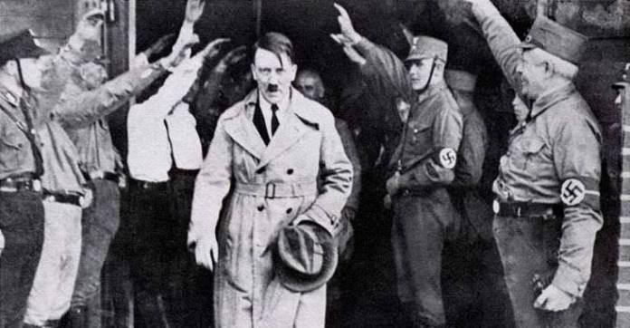 Resultado de imagen para Fotos del Parlamento alemán confiere poderes dictatoriales a Adolf Hitler.Fotos