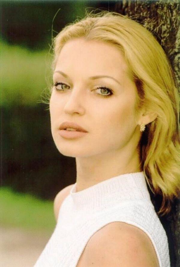 Какая же она была красивая раньше — 20 Фото Анастасии ...