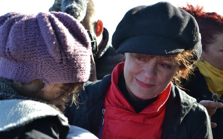 Κοντά στους μετανάστες και πάλι η Σούζαν Σάραντον