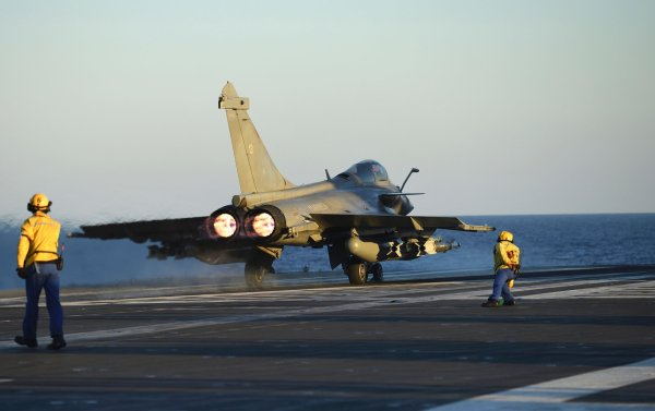 France Launches Airstrikes Against ISIS in Mosul: Reports