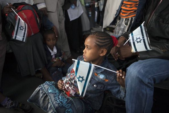 Israel to Deport African Refugees Threatens Jail Time for