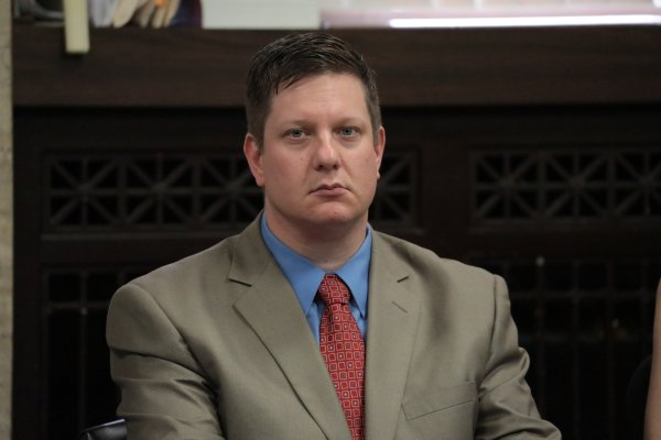 Jason Van Dyke Verdict: Chicago Officer Guilty of Murder ...