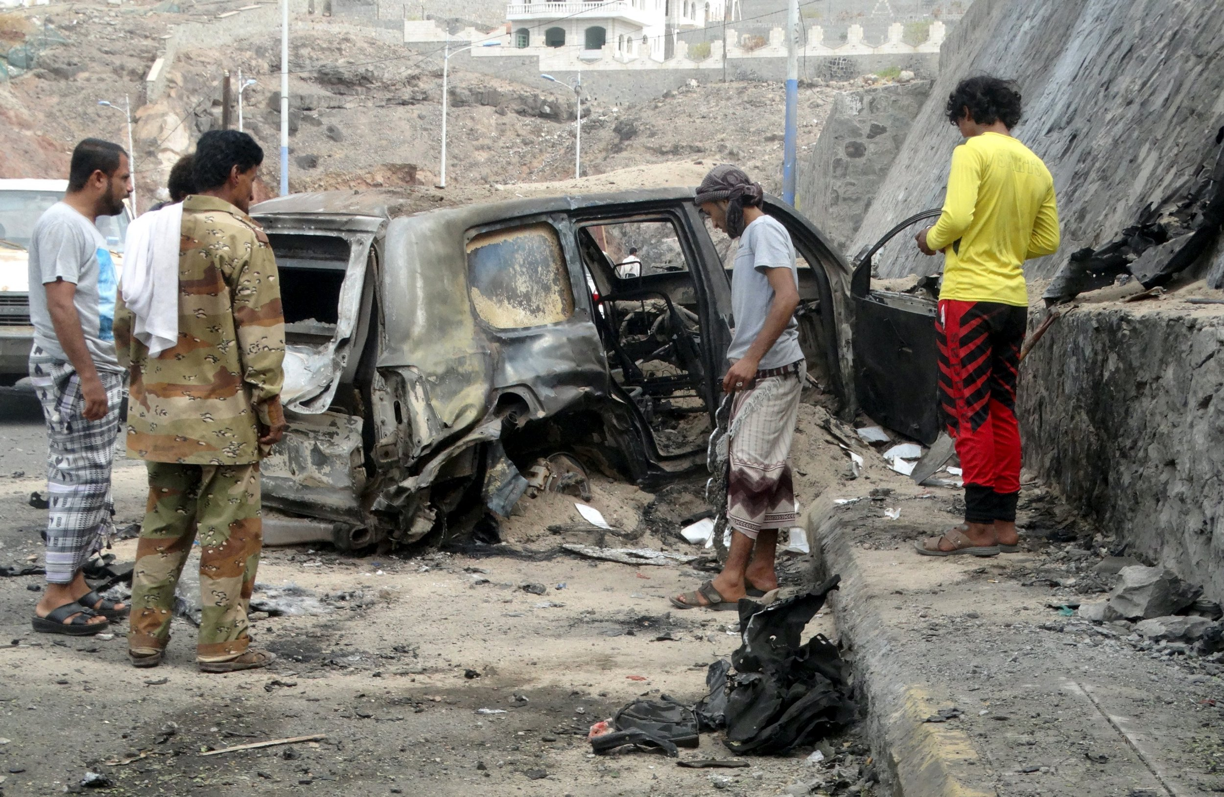 Yemen auto bomb attack kills at least two people in Aden: residents