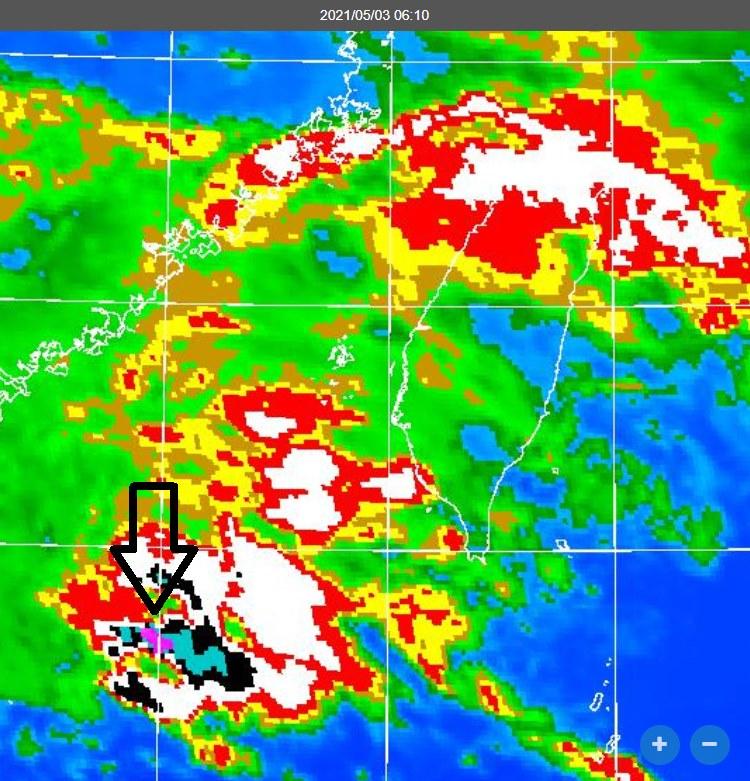赫見「紫色強對流」!水氣爆發花東大雨特報、南部也落雨