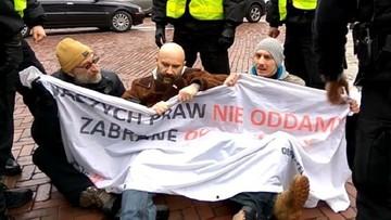 """31-10-2017 10:36 """"Obywatele RP"""" zostali uniewinnieni przez sąd. Nie naruszyli """"miru domowego"""" Sejmu"""
