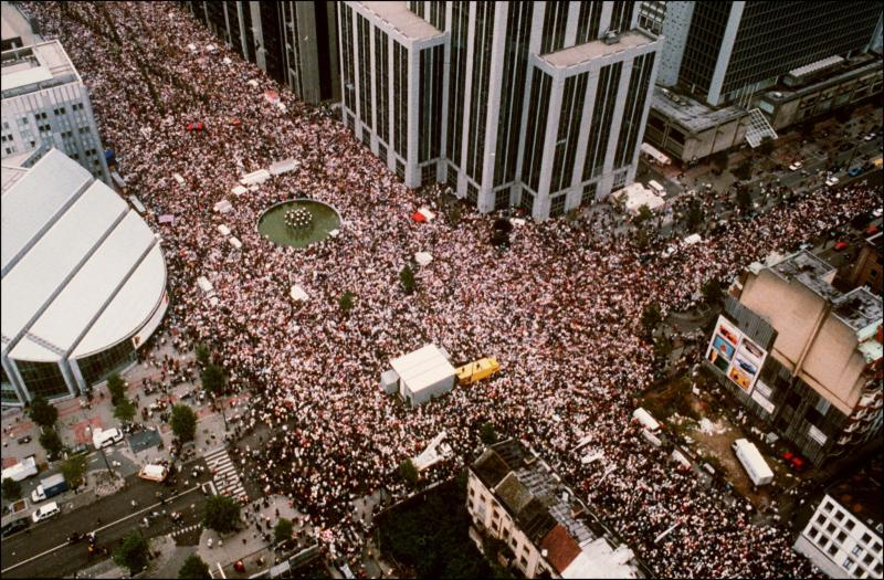 Aerial view of the first 'white march', in Brussels, in 1997.