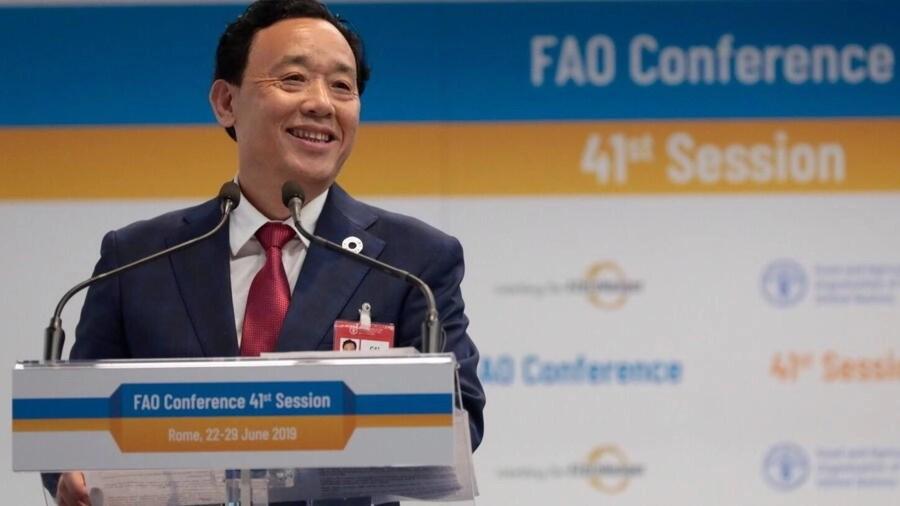 Thứ trưởng nông nghiệp Trung Quốc Khuất Đông Ngọc (Qu Dongyu) trở thành tổng giám đốc Tổ chức Lương Nông Quốc tế Liên Hiệp Quốc (FAO) với nhiệm kỳ 4 năm, phát biểu tại hội nghị ngày 22/06/2020. Ảnh do FAO cung cấp.