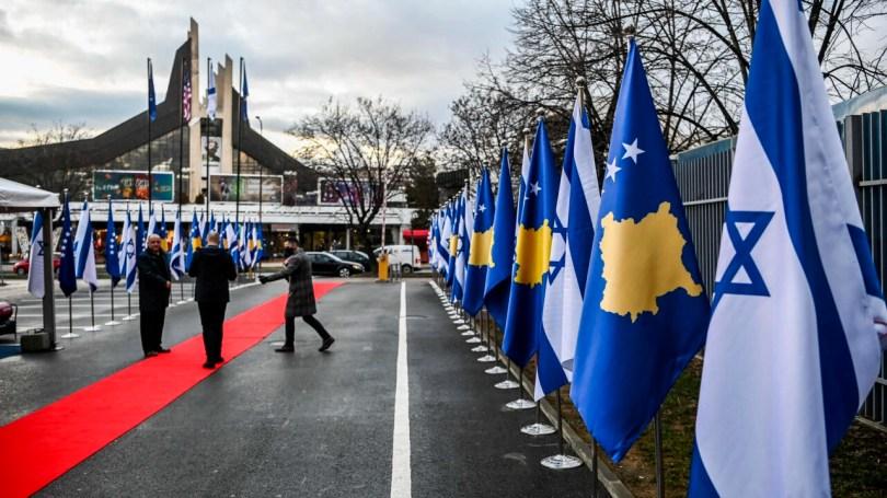 Le Kosovo est le premier pays à majorité musulmane à reconnaître Jérusalem comme capitale d'Israël. Ici, une cérémonie au ministère des Affaires étrangères de Pristina après le rétablissement des relations diplomatiques entre les deux pays, le 1er février 2021.