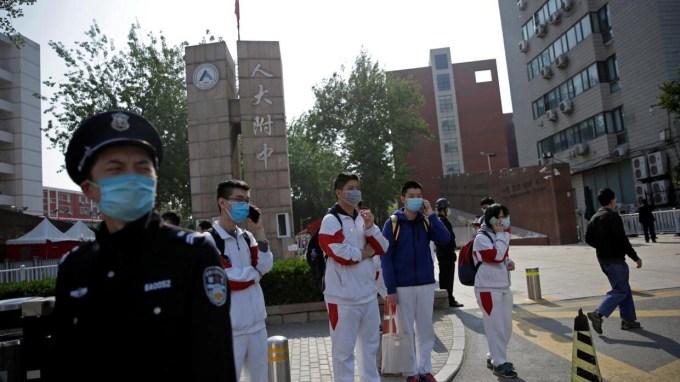 Coronavirus: in Beijing and Shanghai, reopening of high schools ...